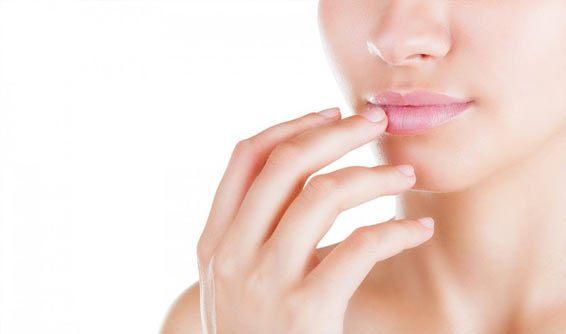 dry flacky lip oil