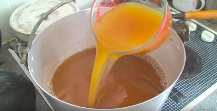 Rose hip liquid